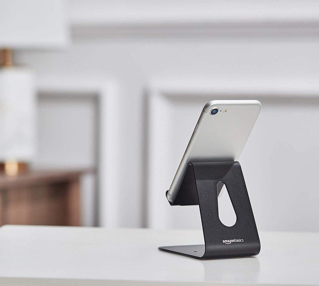 AmazonBasics - Supporto per cellulare, per iPhone e dispositivi Android | Nero