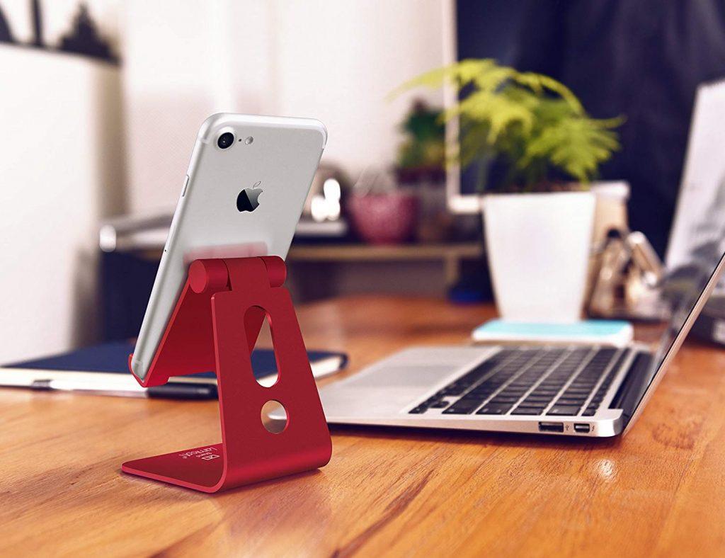 Supporto Telefono, Lamicall Dock Telefono : Multi-angolo Supporto Dock per Phone Xs Xs Max XR X 8 7 6 6S Plus 5 5S 4 4S, HUAWEI, Samsung S9 S8 S7 S6 S5 S4 S3, Scrivania, Altri Smartphone - Rosso